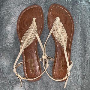 Carlos Santana sandals size 6